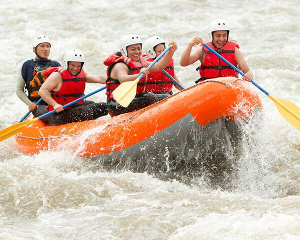 white water rafting the middle ocoee in southern tennesee